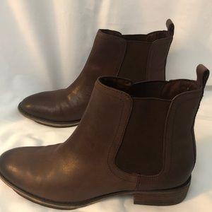 "Arturo Chiang ""Avery""  Chelsea boots"